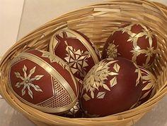 Easter eggs Eastern Eggs, Types Of Eggs, Corn Dolly, Egg Shell Art, Straw Art, Orthodox Easter, Quilling Designs, Egg Art, Egg Decorating