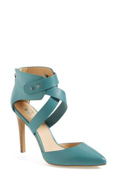 Teal pointy toe pumps for spring!