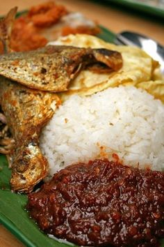 Nasi Lemak is a rice dish made from cooking rice in coconut milk and serving it with a variety of dishes. The fragrant coconut flavoured rice of the Nasi Lemak with the special chilli sauce is a heavenly match! Nearest oulet: Food Opera (at B4, food court), ION Orchard. Walk: 4 minutes from RP