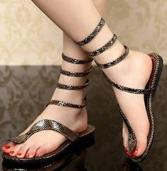 ihomecoming.com SUPPLIES Sexy Rhinestone Snake Shape Strap Thong Flat Sandals Flat Sandals