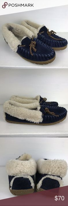 L.L. BEAN Wicked Good SLIPPERS Blue 8 Womens LINED Cozy Warm! Simply the best L.L. Bean Wicked Good Slippers  Navy Blue Suede Stitched Leather, Womens Size 8, Lined Good gently pre-owned condition with some normal wear to the  inside lining. L.L. Bean Shoes Slippers