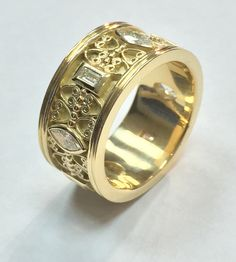 Vintage ring  Article on the blog ; http://www.eternalfinejewels.com/new-blog/