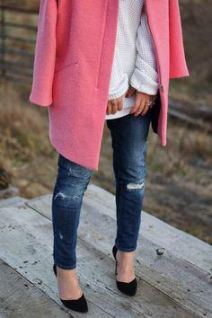 5 consejos para usar el abrigo rosa