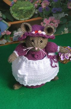 Handmade knitted mouse doll Primerose door dollsandbunnies