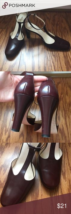Anne Klein Heels Deep burgundy leather upper heels with slight signs of wear, otherwise cute pair for work or a business casual dinner. Anne Klein Shoes Heels