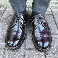 Alden Cordovan, Cordovan Shoes, Shiny Shoes, Men's Shoes, Dress Shoes, Alden 990, Business Shoes, Mens Attire, Get Dressed