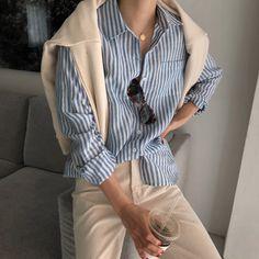 Korean Fashion Trends you can Steal – Designer Fashion Tips Daily Fashion, Girl Fashion, Fashion Outfits, Fashion Design, Fashion Ideas, Korean Fashion Trends, Korean Street Fashion, Looks Style, Minimal Fashion