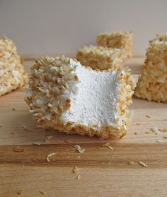 Mary Quite Contrary Bakes: Toasted Coconut Marshmallows