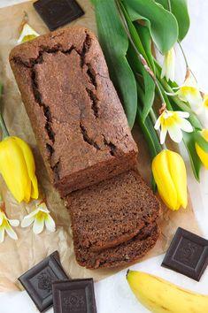 Bizcocho de plátano y chocolate saludable. Una receta fitness apta para celíacos. Una alternativa dulce y chocolateada pero muy nutritiva y saludable.