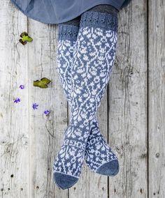 Merja Ojanperän Kukkameri-sukat – katso ohje! - Kotiliesi.fi Crocheting, Knit Crochet, Socks, Knitting, Fashion, Crochet, Moda, Tricot, Fashion Styles