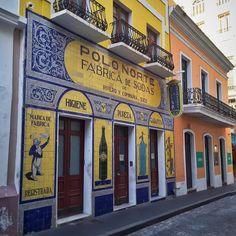 #door #street #old #sanjuan #spanish #heritage #bricks #family #pr #borinquen #boricua #jibaros #walk #thingtodo #puertorico #arquitecture #design #history #springbreak #springbreak2016 #vacation #streetview #stores #fabrica #sodas #service #warranty