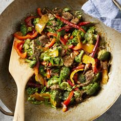 With fresh broccoli, ginger, red bell peppers and plenty of fresh citrus, this healthy beef stir-fry is sure to become a favorite. And it's ready in 30 minutes, making it the perfect healthy weeknight dinner. Stir Fry Recipes, Fall Recipes, Beef Recipes, Dinner Recipes, Healthy Recipes, Hamburger Recipes, Healthy Meals, Dinner Ideas, Beef Broccoli Stir Fry