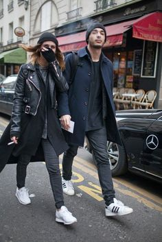 They Are Wearing: Paris Men's Fashion Week - Slideshow Fashion Couple, Look Fashion, Fashion News, Street Fashion, Hippie Fashion, High Fashion, Fashion Week 2015, Mens Fashion Week, Winter Fashion