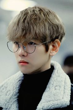 ImageFind images and videos about kpop, exo and baekhyun on We Heart It - the app to get lost in what you love. Baekhyun Chanyeol, Exo K, Park Chanyeol, Exo Official, Hapkido, Kpop, Exo Members, Chanbaek, K Idols
