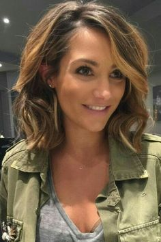 How To Style Medium Length Hair Medium Length Hairstyle  Messy Waves  Hair Styles Tips And Tricks