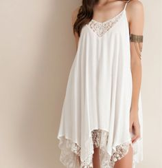 Delicate lace detail v neck in front/back, fully lined and lace hem. This dress will not only look beautiful on you but will also give you a romantic bohemian look. Pair this with knee high strappy gl