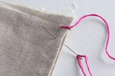 How to Hand Sew: 6 Basic Stitch Photo Tutorials Sewing Basics, Sewing Hacks, Sewing Tutorials, Sewing Stitches, Embroidery Stitches, Sewing Patterns, Hand Embroidery, Hand Sewing Projects, Sewing Crafts