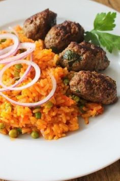 Cevapcici with Djuvec rice do-it-yourself recipe family recipes for self-cooking and baking. The post Cevapcici with Djuvec rice do-it-yourself recipe family recipes for do-it-yourself appeared first on Tasty Recipes. Rice Recipes, Cooking Recipes, Healthy Recipes, Good Food, Yummy Food, Best Dinner Recipes, Mediterranean Recipes, International Recipes, Family Meals