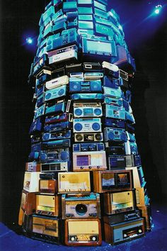 """cavetocanvas: """" Cildo Meireles, Babel, 2001 """" Sound is another of the elements Cildo Meireles uses to create spaces. In Babel, an enormous tower of radio apparatuses, related to the biblical. Aldea Global, Arte Latina, Tower Of Babel, Expositions, Art Database, Conceptual Art, Installation Art, New Art, Cool Art"""