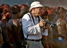 Sebastião Salgado photographed by Sergio Moraes. (Xingu , Brasil)