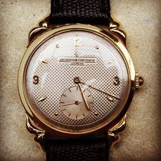 Awesome gold Vacheron Constantin vintage dresswatch #iconicpieces_com #vacheronconstantin #vacheron #constantin #elegance #artdeco #watchcollector #vintagepatek #vintagewatches #gentlemenstyle #luxuryvintage #watchfam #watchdaily #goldwatches