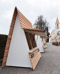 CHRISTMAS FAIR STALL DESIGN / Collalbo, Renon // Messner Architects