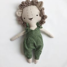 Fabric Animals, Plush Animals, Diy Y Manualidades, Handmade Stuffed Animals, Friend Crafts, Diy Baby Gifts, Fabric Toys, Sewing Toys, Soft Sculpture