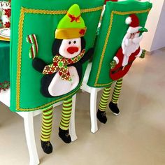 Amazing Hanging Ornament Ideas To Add Enliven Christmas Hanging Ornaments, Xmas Ornaments, Christmas Crafts, Christmas Decorations, Holiday Decor, Christmas Ideas, Christmas Chair Covers, Sewing Crafts, Projects To Try