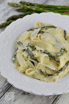 Paste cu sparanghel si sos alb - CAIETUL CU RETETE Camembert Cheese, Risotto, Spaghetti, Pizza, Ethnic Recipes, Food, Essen, Meals, Yemek