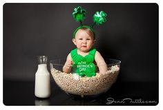 Patrick's Day Crafts and Decoration Everybody in Your Household Will Love Newborn Pictures, Baby Pictures, Baby Photos, Photography Mini Sessions, Holiday Photography, Sant Patrick, St Patrick's Day Photos, Milestone Pictures, Monthly Pictures