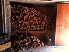 Arriba l'hivern però a Can Soler ja estem ben preparats! #llenya #hivern #magatzem
