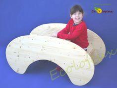 La bascule Ecolojeux en position table.Modèle déposé. http://www.ecolojeux.com/bascule-jouets-a-tirer-jouets-a-pousser/96-bascule-en-bois-table-enfants-en-bois-et-marchande-en-bois.html