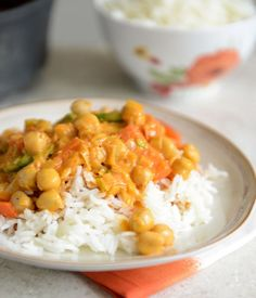easy thai chickpea curry w/ coconut rice. This is sooooo good. It was my first time having coconut rice and the rice alone is worth eating by itself. The curry is fabulous. The longer it sits the better it gets. I used brown basmati rice rather than white Veggie Recipes, Indian Food Recipes, Asian Recipes, Vegetarian Recipes, Dinner Recipes, Cooking Recipes, Healthy Recipes, Healthy Meals, Vegetarian Options