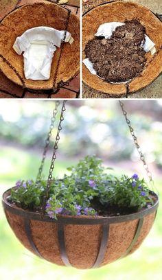 Veľký výber užitočných a dobrých nápadov pre efektívnejšie pestovanie rastlín v črepníkoch aj v záhrade | Babské Veci Diy Garden Projects, Diy Garden Decor, Diy Decoration, Garden Ideas, Garden Crafts, Outdoor Projects, Decor Ideas, Happy Tree Friends, Container Gardening