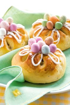 Recipe; Easter flower buns Easter Cookies, Easter Treats, Easter Bun, Easter Celebration, Easter Dinner, Spring Recipes, Something Sweet, Love Food, Brunch