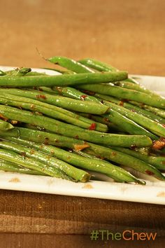 Grill up these delicious Sesame Pole Beans for a side dish this summer! Dinner Side Dishes, Vegetable Sides, Side Dishes Easy, Vegetable Side Dishes, Vegetable Recipes, Vegetarian Recipes, Cooking Recipes, Healthy Foods, Healthy Eating