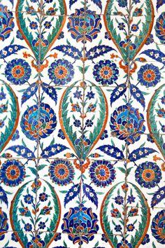 Wall tiles in Istanbul Sultanahmet Mosque by Ihsan Gercelman, via Turkish Design, Turkish Art, Turkish Tiles, Portuguese Tiles, Moroccan Tiles, Moroccan Decor, Moroccan Bedroom, Moroccan Interiors, Tile Art