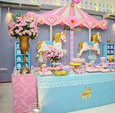 Carousel nice set up Carousel Birthday Parties, Carousel Party, Carnival Themed Party, Circus Birthday, Unicorn Birthday Parties, Horse Party Decorations, Baby Shower Cake Decorations, Birthday Party Decorations, Kids Party Tables