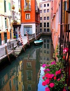 Venice, Italy.  gorg.  I want to paint this next..