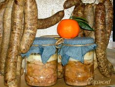 carne de porc in suc propriu Romanian Food, Romanian Recipes, Charcuterie, Diy Food, My Recipes, Carne, Good Food, Vegetables, Canning