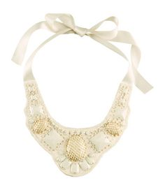 adore this delicate collar