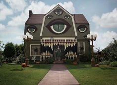 Artist Turns Parents' Home Into Haunted House  -  This very talented woman is amazing. Click to see more of her work: https://m.facebook.com/pages/Christine-H-McConnell/144386885580944