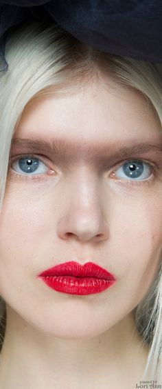 Chanel Spring Couture 2015 Backstage - Model: Ola Rudnicka