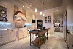 Closed kitchen design