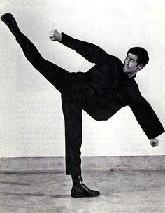 ~Bruce Lee - High Kick~