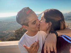La imagen puede contener: una o varias personas, cielo y exterior Cute Youtube Couples, Couple Goals, Couple Photos, Instagram, Famous Youtubers, Photos Tumblr, Couples, People, Couple Shots