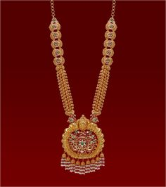 Shop our wide range of new south Indian gold & diamond jewellery collection. We provide latest temple & antique gold jewellery designs at best price. Gold Jewellery Design, Gold Jewelry, Jewelery, Small Necklace, Necklace Set, Gold Necklace, Metal Clay Jewelry, Sumo, Antique Necklace