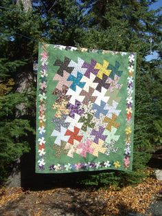 Here is Eileen's Twister quilt, she wanted custom quilting and said I could do whatever I wanted.except feathers! Antique Quilts, Vintage Quilts, Twister Quilts, Quilt Storage, Pinwheel Quilt, Amish Quilts, Custom Quilts, Book Quilt, Patch Quilt