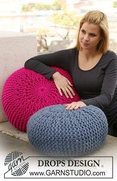 "Free pattern: DROPS cushion/foot stool in garter st in 4 strands ""Eskimo"" or 2 strands ""Polaris""."