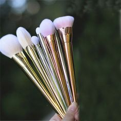 Item Type: Makeup Brush Brand Name: GL Brand Material: wood Quantity: 7pcs Size: 7pcs/set Handle Material: Wood Brush Material: Nylon Brush Material: Synthetic Hair Used With: Sets & Kits Model Number                                                                                                                                                      More